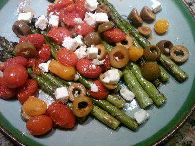 Asparagus with roasted tomatoes, olives and feta